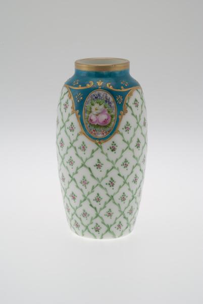Vase en verre opalin